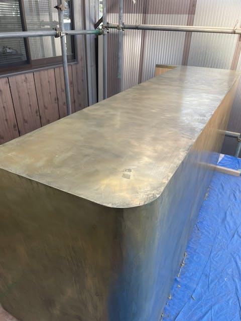 金属塗装のミダスメタルで仕上げたバーカウンター