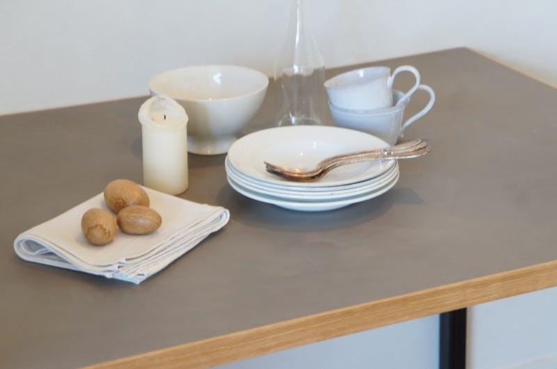 モールテックスのテーブル